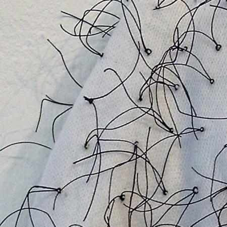 """""""Handgemenge"""" 2004, 3. Preis, Produzentengalerie plan.d. Düsseldorf, B:12cm H:20cm, Baumwoll Handschuhe, Zwirn, Detail"""