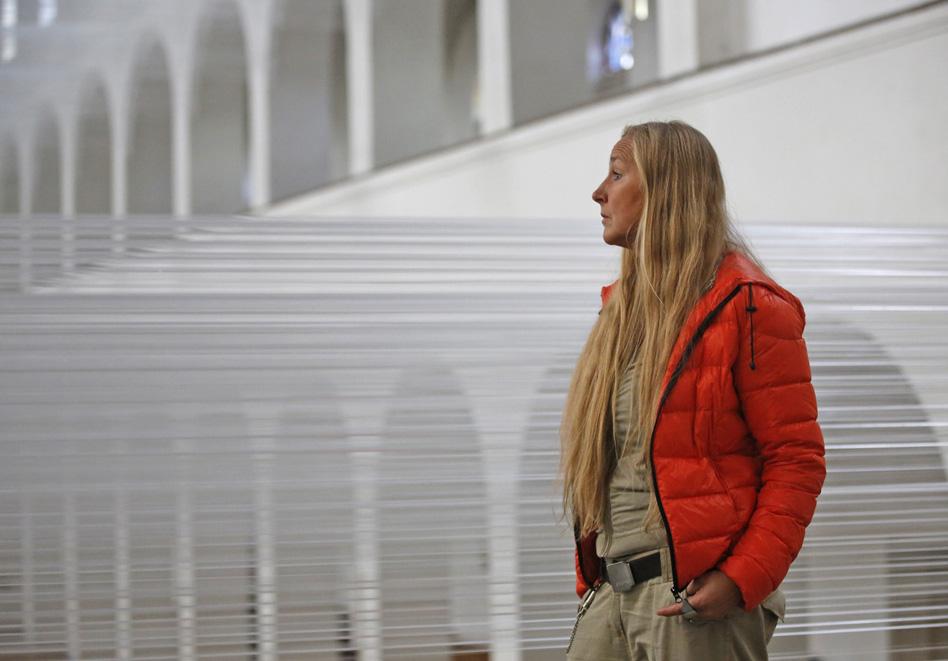 """100 km"", 2013 Kunstkirche Christ König, Bochum, Foto Rainer Schlautmann"